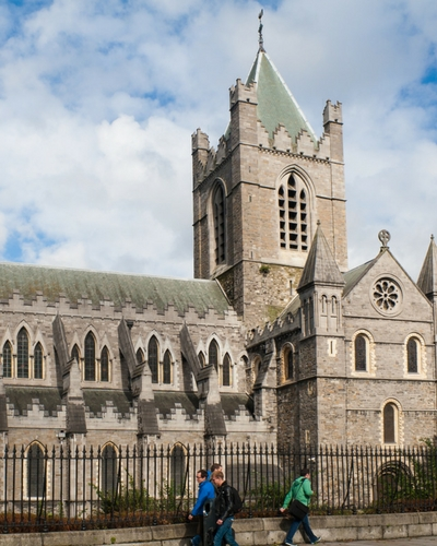 Best walking tour in Dublin, places to visit when in Dublin christchurch cathedral